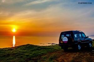 Land-Rover-at-Sunset-(D)-MOD